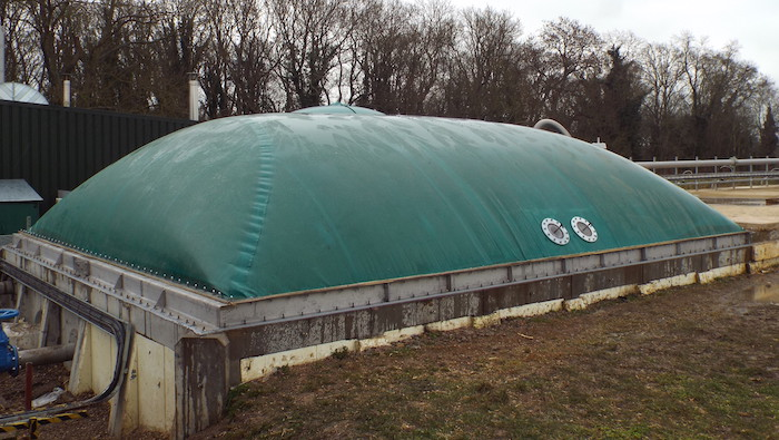 New gas holder and digester cover to be installed on Welsh farm